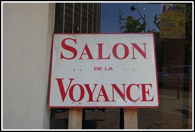 L 39 univers impitoyable de la voyance mina voyance for Salon de la voyance